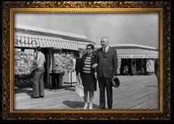 Супруги Байконуровы в Париже. 1972 г.